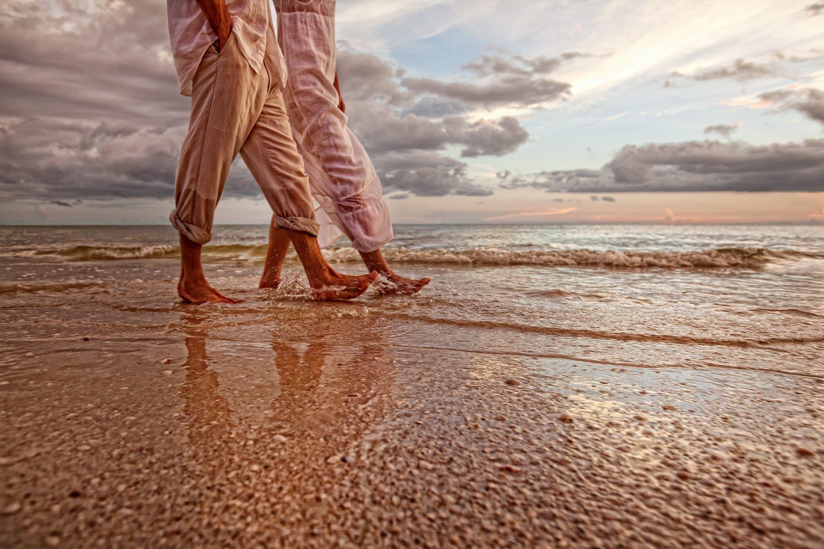Walking_Med_beach