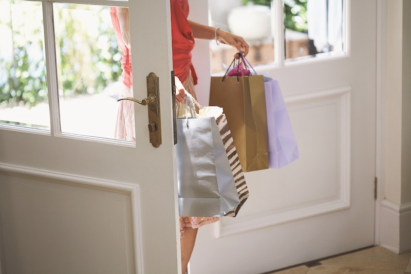 LBH_Naples_Lifestyle_Shopping_800X533.jpeg