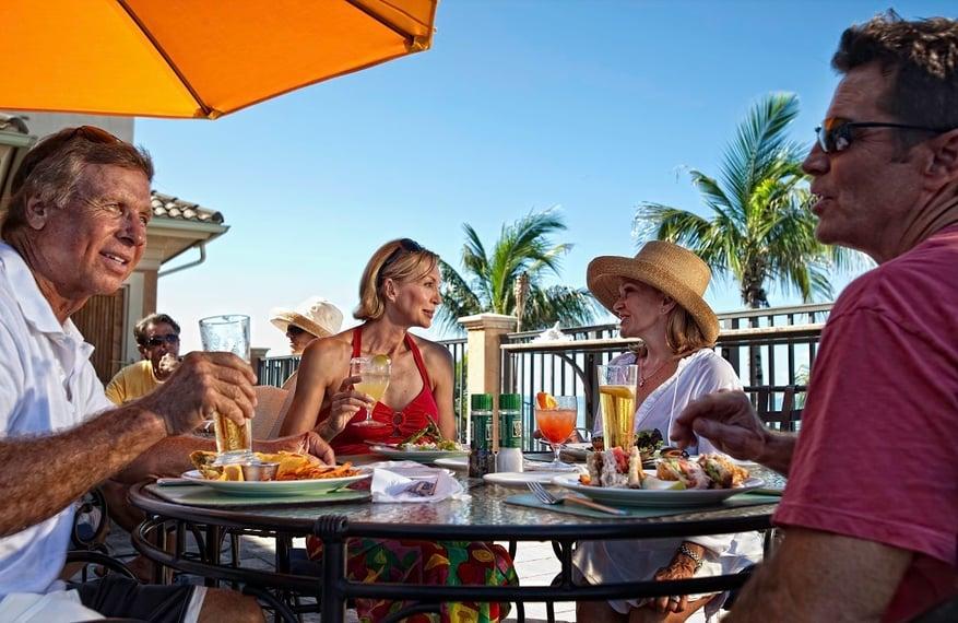 MED_Dining_Beach-Club