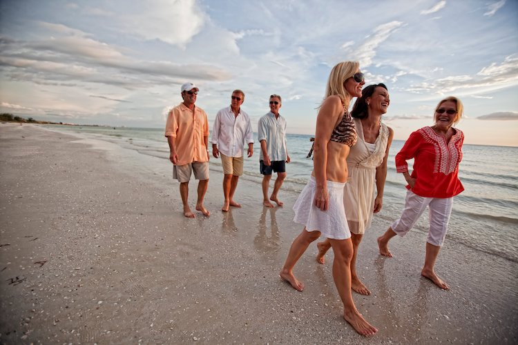 Naples FL continues to be a popular winter retreat to this day
